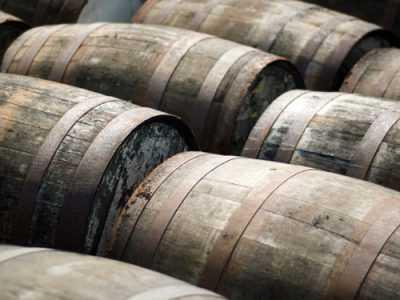 whiskey paired dinner, whiskey barrels